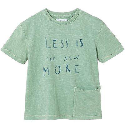 Camiseta com Bolso e Frase Verde Brotes