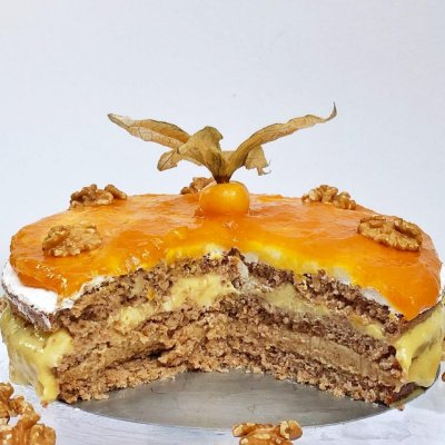 Torta de Nozes Fit Congelada - 1,8 kg, 22 cm de diâmetro.