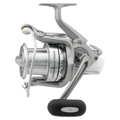 Molinete Long Cast Daiwa Emblem Shot 5000A