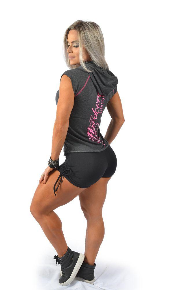 Regata Fitness de Capuz Estampa Rosa - INSANO - Roupas pra quem leva ... cba03de5507
