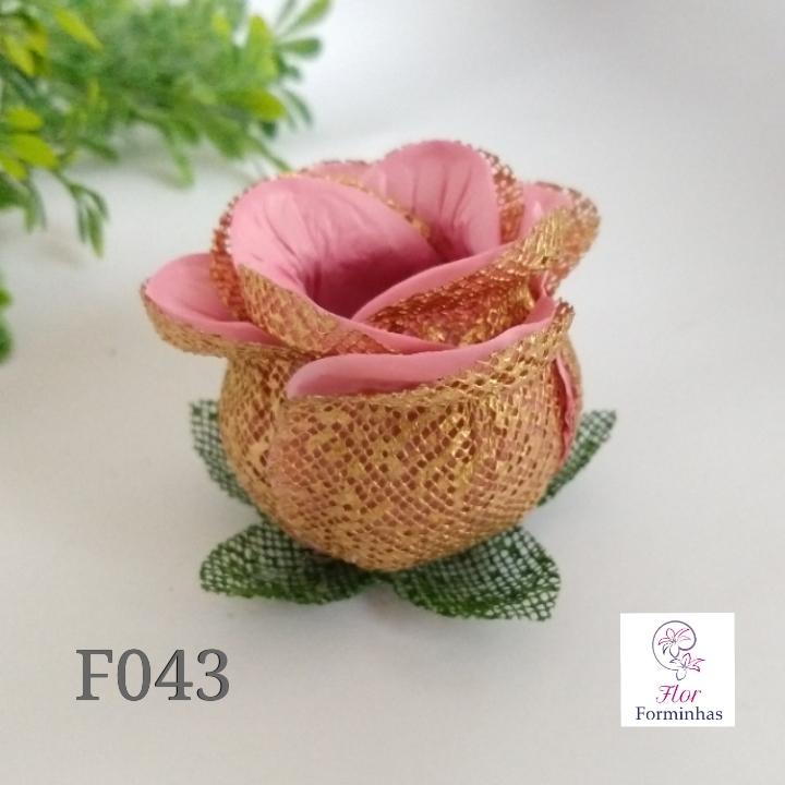 Botão de Rosa dourado com cores F043