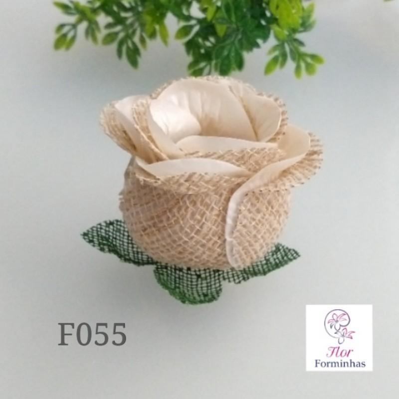 Botão de Rosa Rustico F055