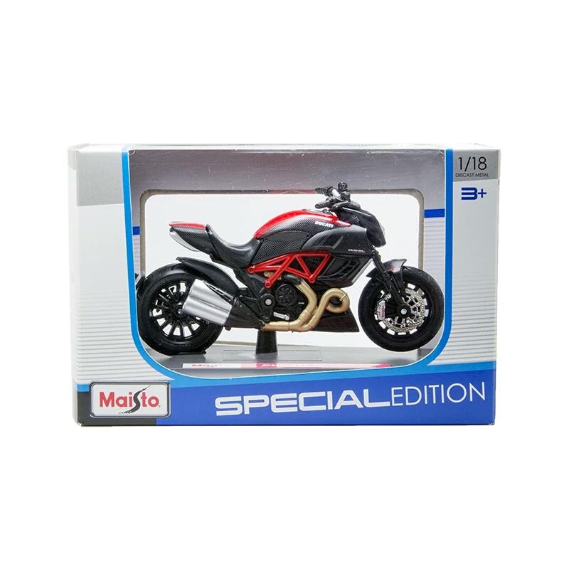 Miniatura Ducati Diavel Carbon 2011 Maisto 1:18