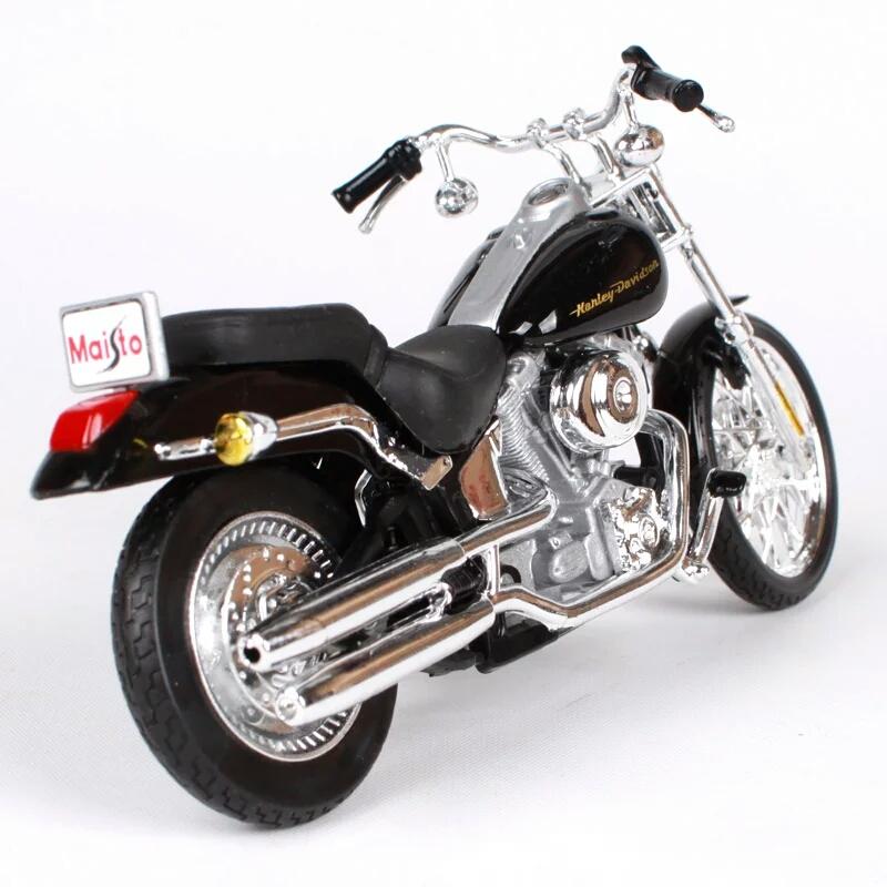 Miniatura Harley Davidson FXSTD Softail Deuce 2000 Maisto 1:18