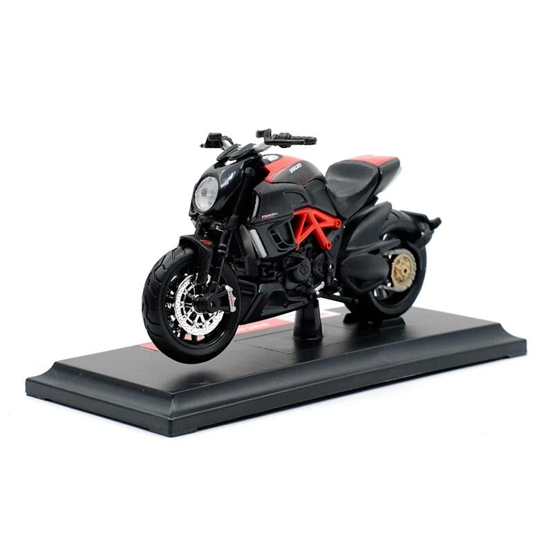 Miniatura Ducati Diavel Carbon 2011 Maisto 1:1