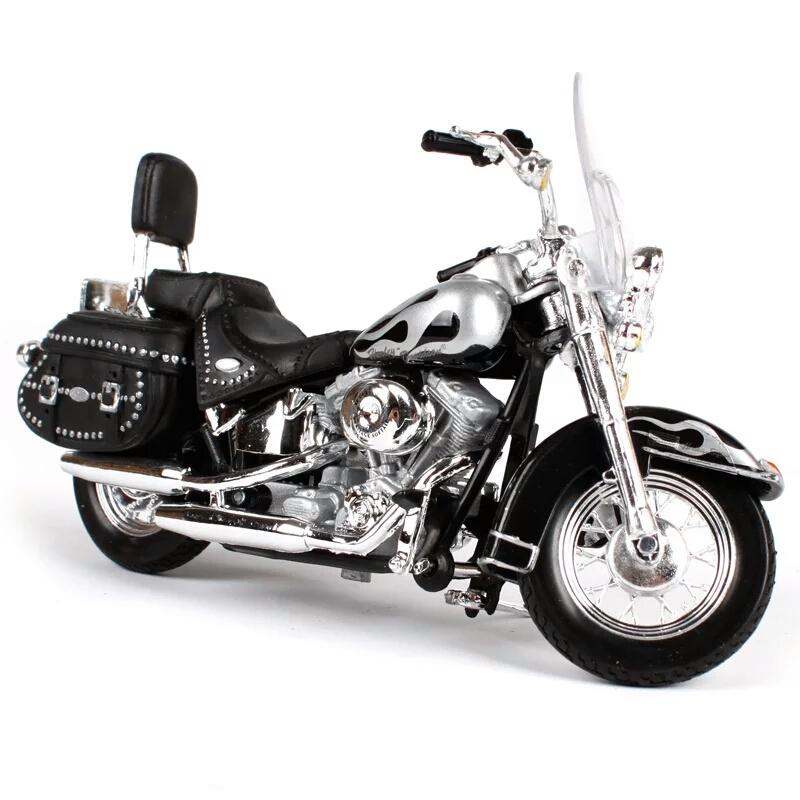 Miniatura Harley Davidson FLSTC Heritage Softail Classic 2002 Maisto 1:18