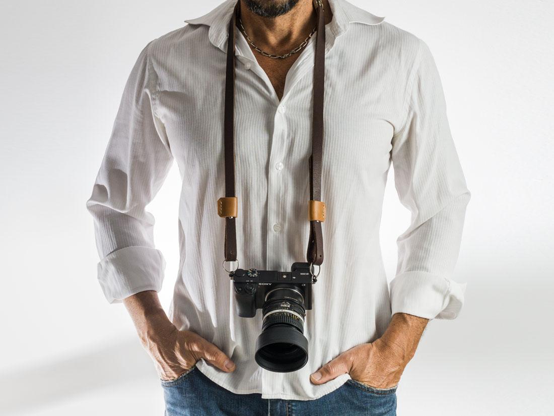 Alça para Câmera Fotográfica em couro marrom Café - Feita 100% no Brasil