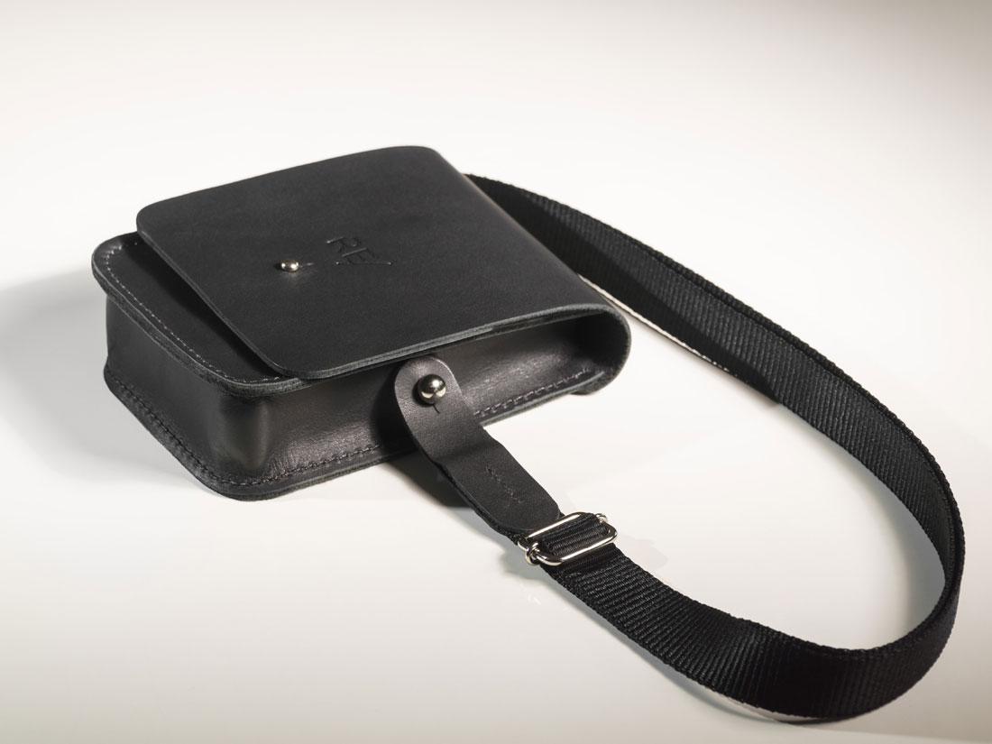 Cube Smartbag com alça de ombro em nylon.