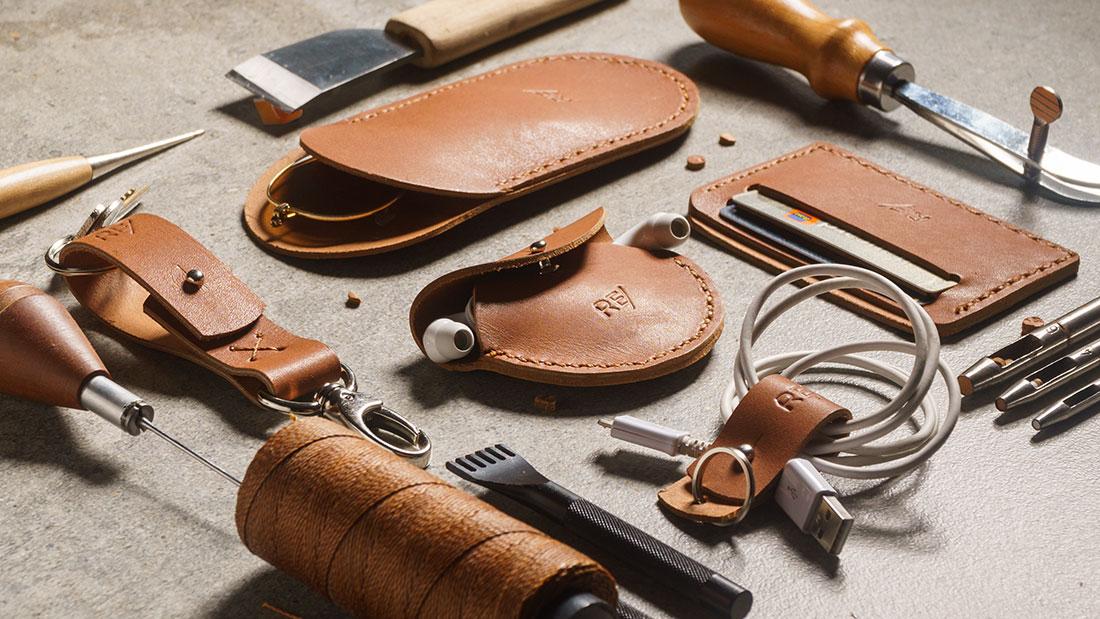O Kit Sela é inteiramente cortado e costurado à mão.