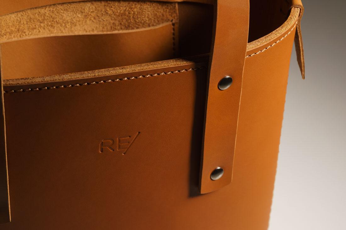 A Tote bag Andaluz é costurada à mão