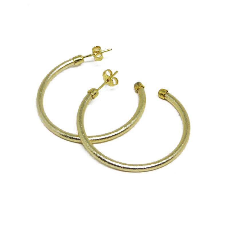 8875d04334330 Brinco de Argola pequeno lisa diamantada folheada a ouro 18k ...