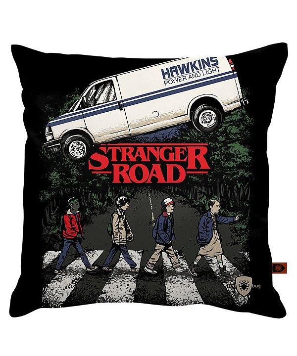 Almofada - Stranger Road