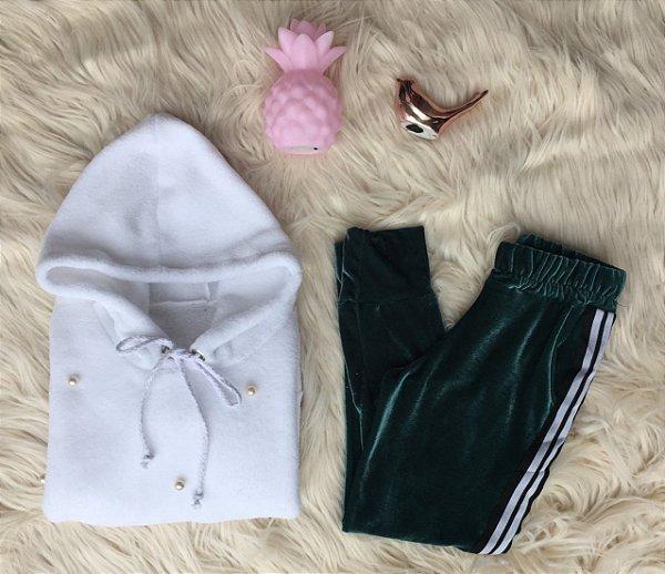 Blusa de pêlo branco com calça de veludo verde Mãe e Filha