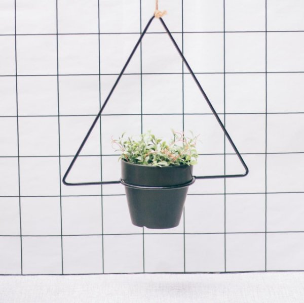 Cachepô pendente triangular