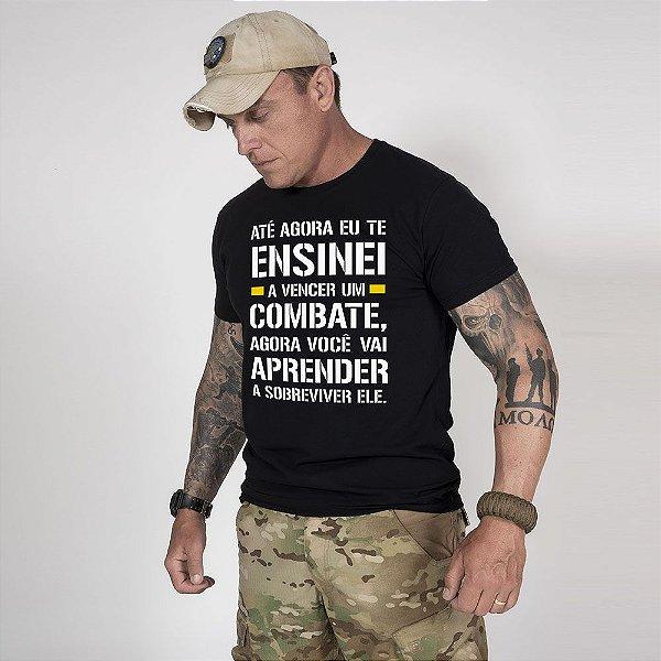 Camiseta de Algodão Estonada  Preta Fight And Survive