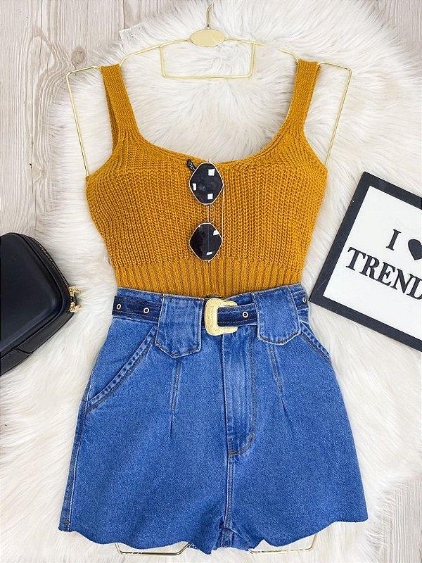 Short Jeans Com Cinto Ponta Brasão