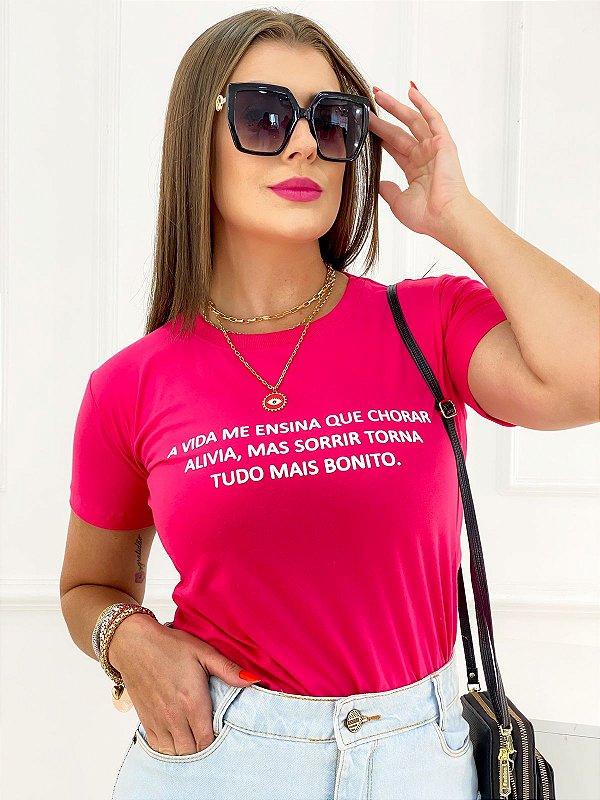 T-Shirt Estampa Sorrir Torna Tudo Bonito