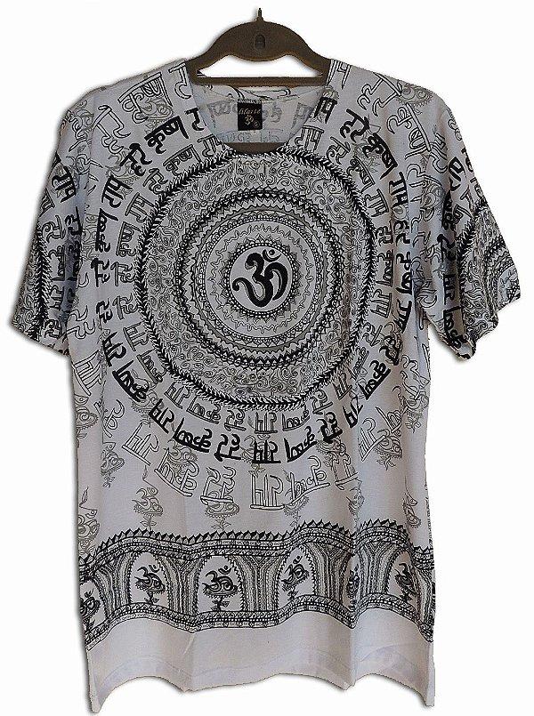 Camiseta central Om