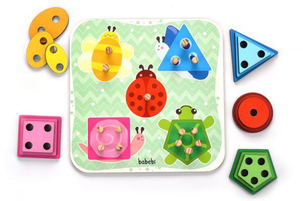 Torre de encaixe cores e formas