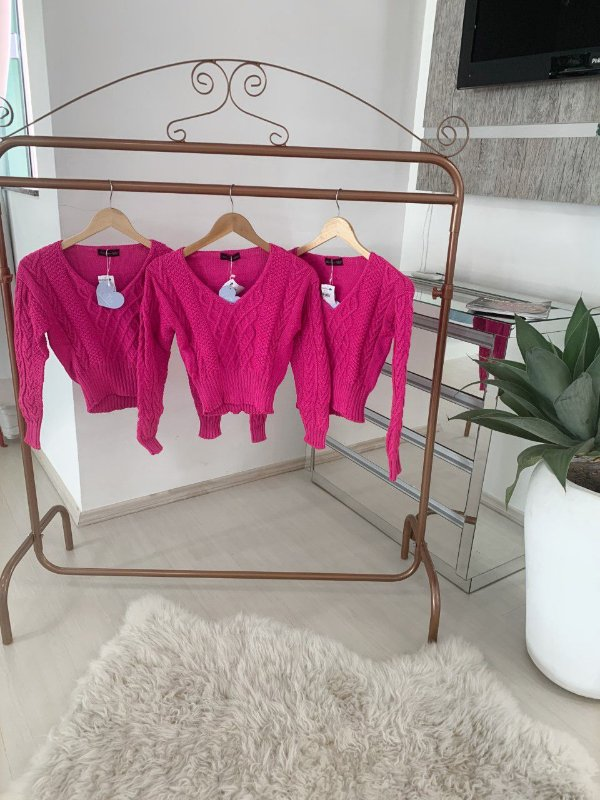 Cropped pink neon