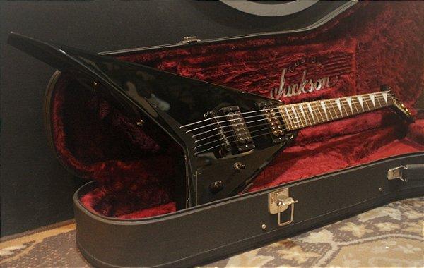 Jackson Randy Rhoads RR5 BK Customizada (Japan) + Hardcase ------- R$ 8499,00