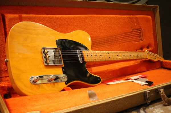 (Semi Novo) Guitarra Fender Tele Am Vintage Reissue 52 Butterscotch Blonde (2007) ----- R$ 11.999,00