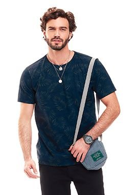 Camiseta Masculina c/ estampa Folhagens - Azul Escuro