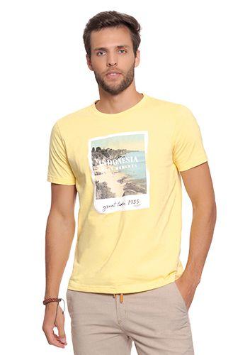 Camiseta Masculina Amarela c/ Estampa