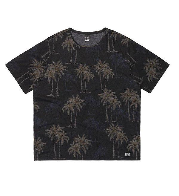 Camiseta Plus Size em Full Print Tropical Verão