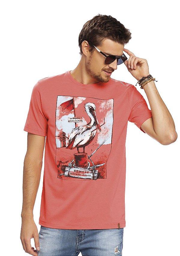 Camiseta Masculina Print Exclusiva Pelicano na Cor Coral