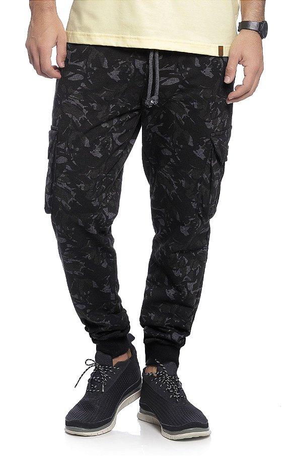 Calça Masculina Jogger em Moletom Camuflada na cor Preta