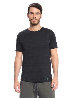 Camiseta Masculina Esportiva com Malha Dash Light e modelagem fitness