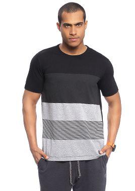 Camiseta Masculina Adulta com Recorte e Estampa c/ Listras