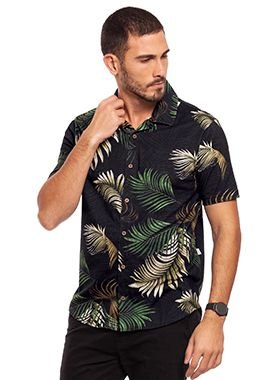 Camisa Masculina com Abertura Frontal Estampada