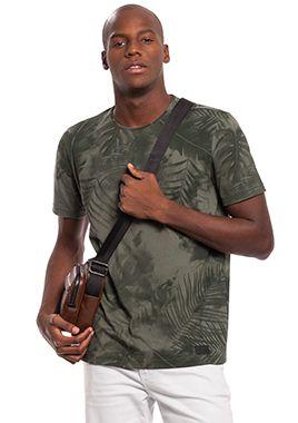 Camiseta Masculina com Estampa