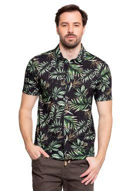 Camisa Masculina com Estampa de Folhas