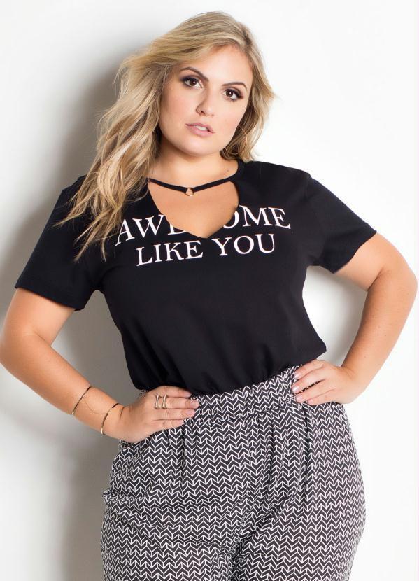 T-shirt Preta Tira Com Detalhe Plus Size