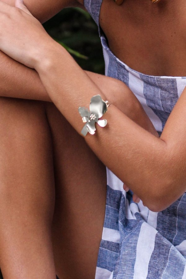 Bracelete floral niquel fosco