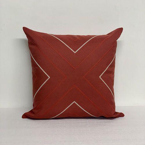Capa Para Almofada Vermelha Bordada Seta