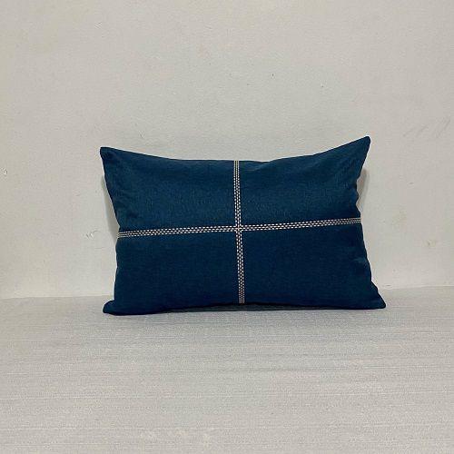 Capa Para Almofada Azul Bordada Cruz