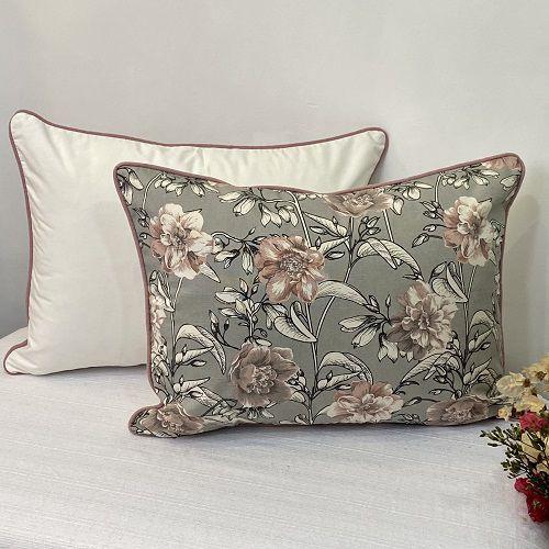 Porta Travesseiro Dupla Face Cotone Flores Cinza e Rosa Blush