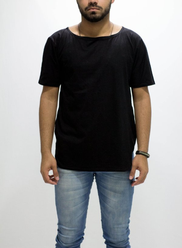 camiseta oversized black