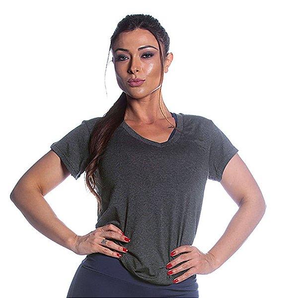 Camiseta Preta Lisa Movimento e Cia