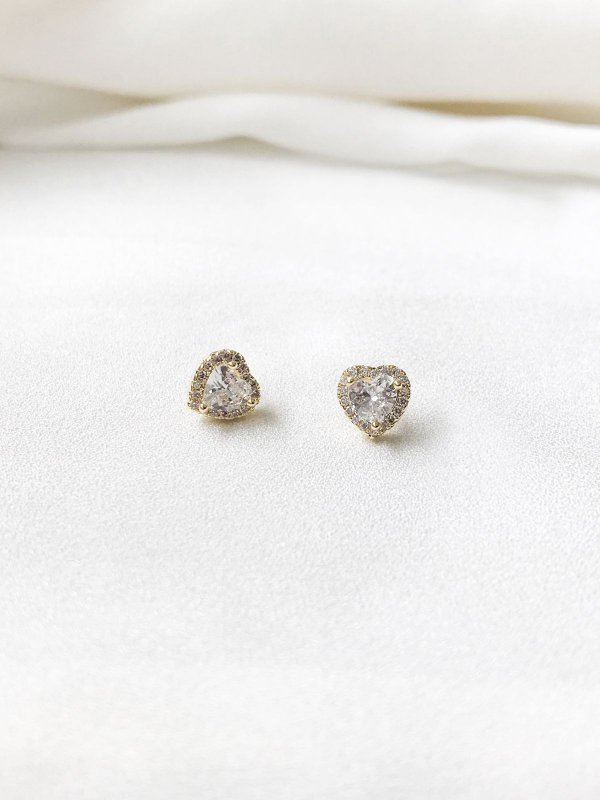 Brinco Coração Cravejado com cristal e zircônias banhado a ouro 18K