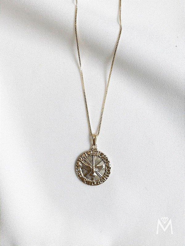 Colar Saint em medalha do Divino Espírito Santo banhado a ouro