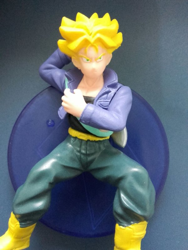 Trunks SSJ1 - Dragon Ball Z - Boneco 12 CM - MugenMundo