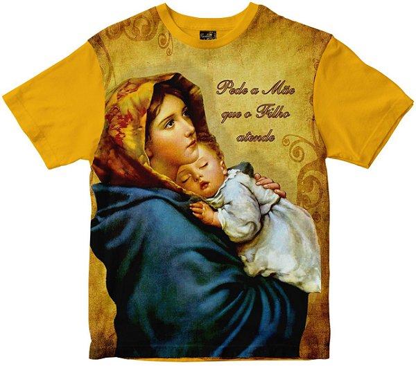 Camiseta Pede a Mãe Que o Filho Atende Rainha do Brasil