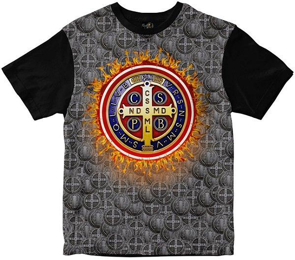 Camiseta Medalha de São Bento fogo Rainha do Brasil