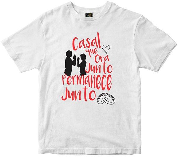 Camiseta Casal que ora junto branca Rainha do Brasil