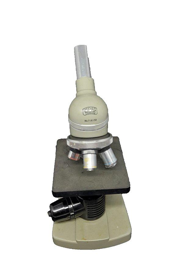 Microscópio Impac Tokio